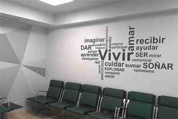 Decoración interior con vinilo en pared